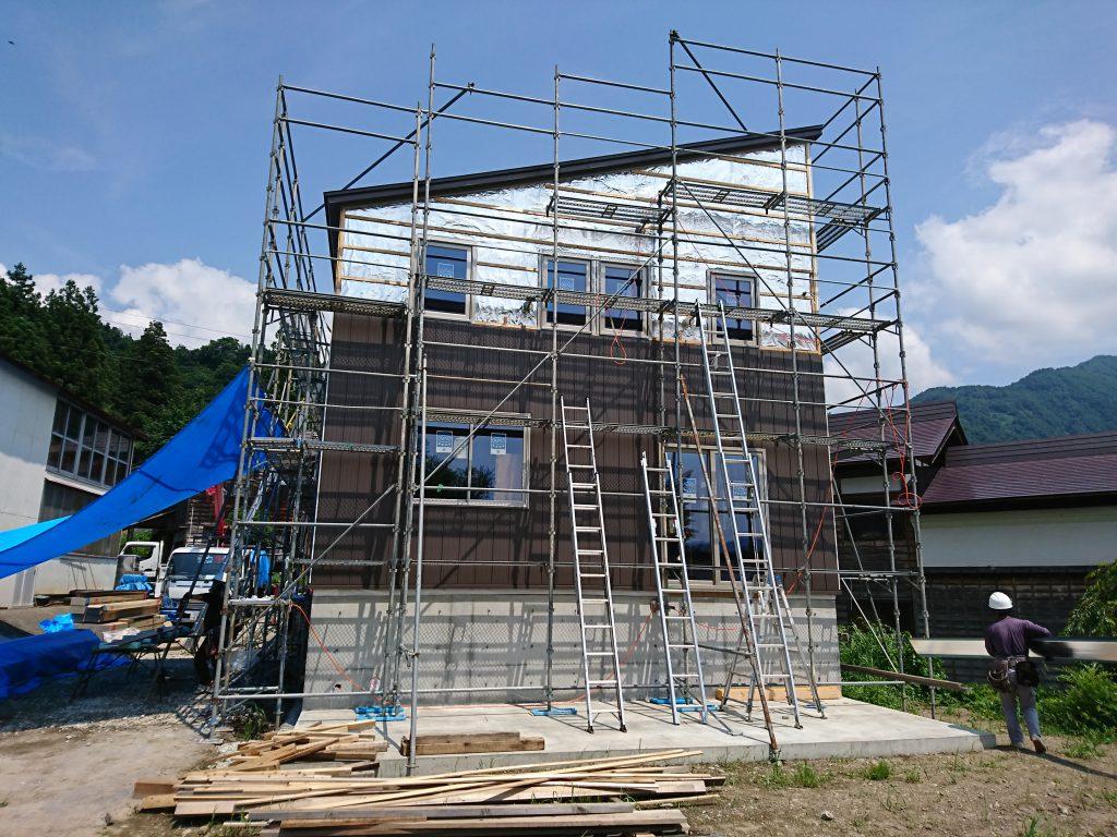 エコな家の外壁施工2